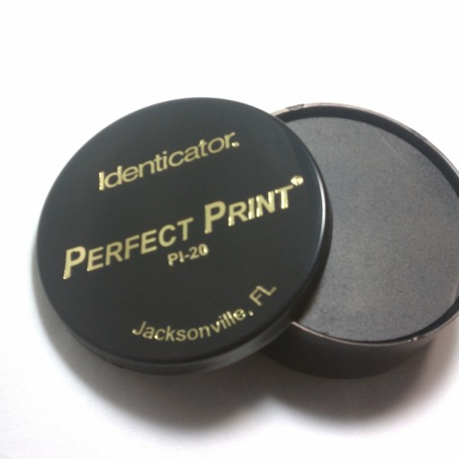 "Large Round Perfect Ink Pad (2.5"" diameter) / 4,800 Prints"